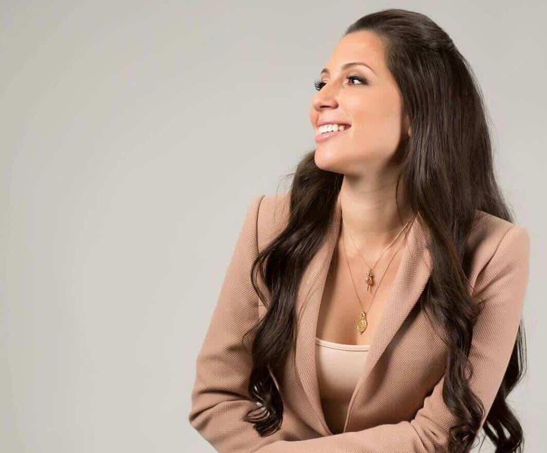 """Alexandra Lúgaro gana el sondeo """"Estudiante, tú eliges"""""""