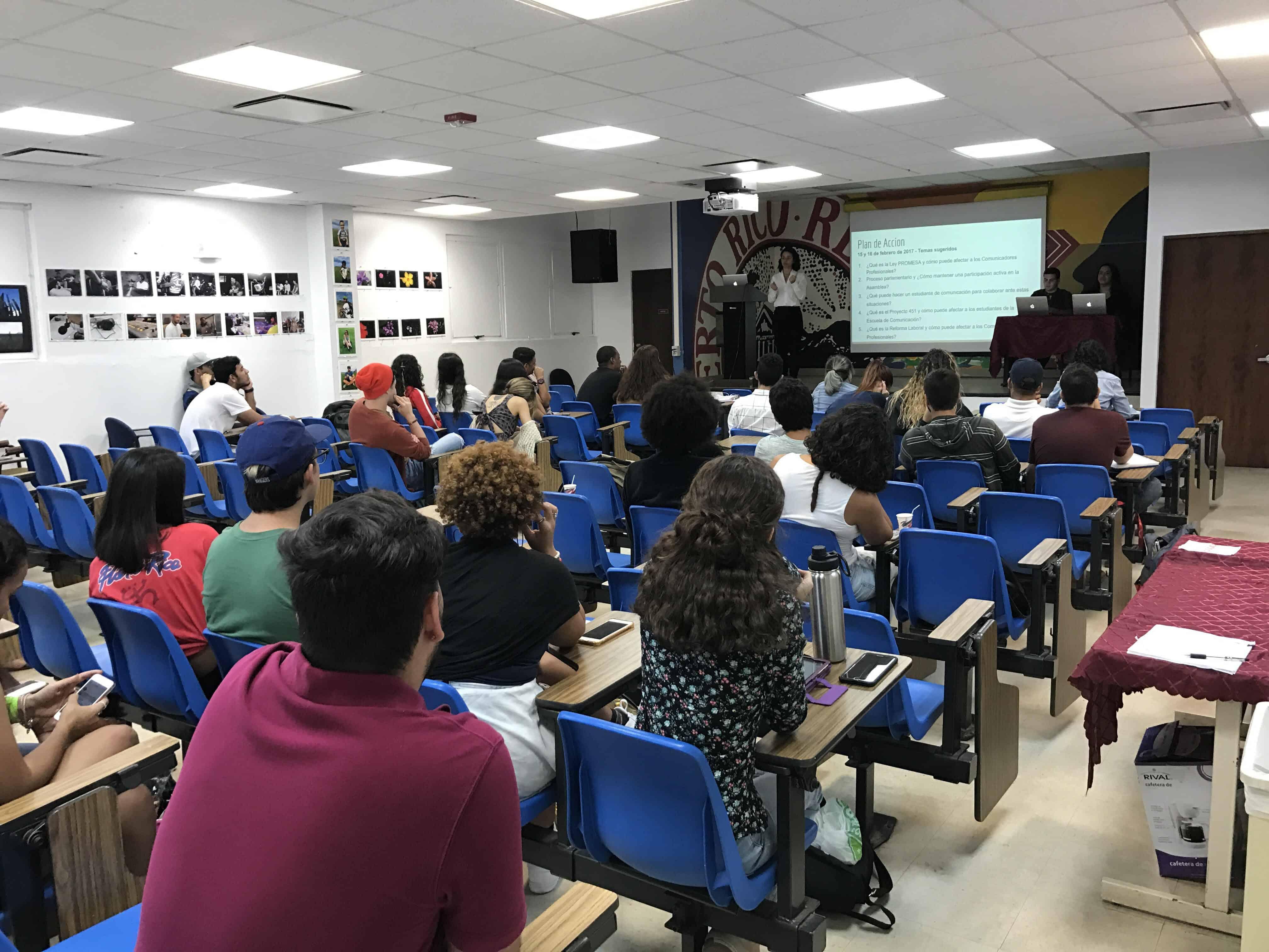 Estudiantes de COPU llevan sus reclamos ante Asamblea Extraordinaria