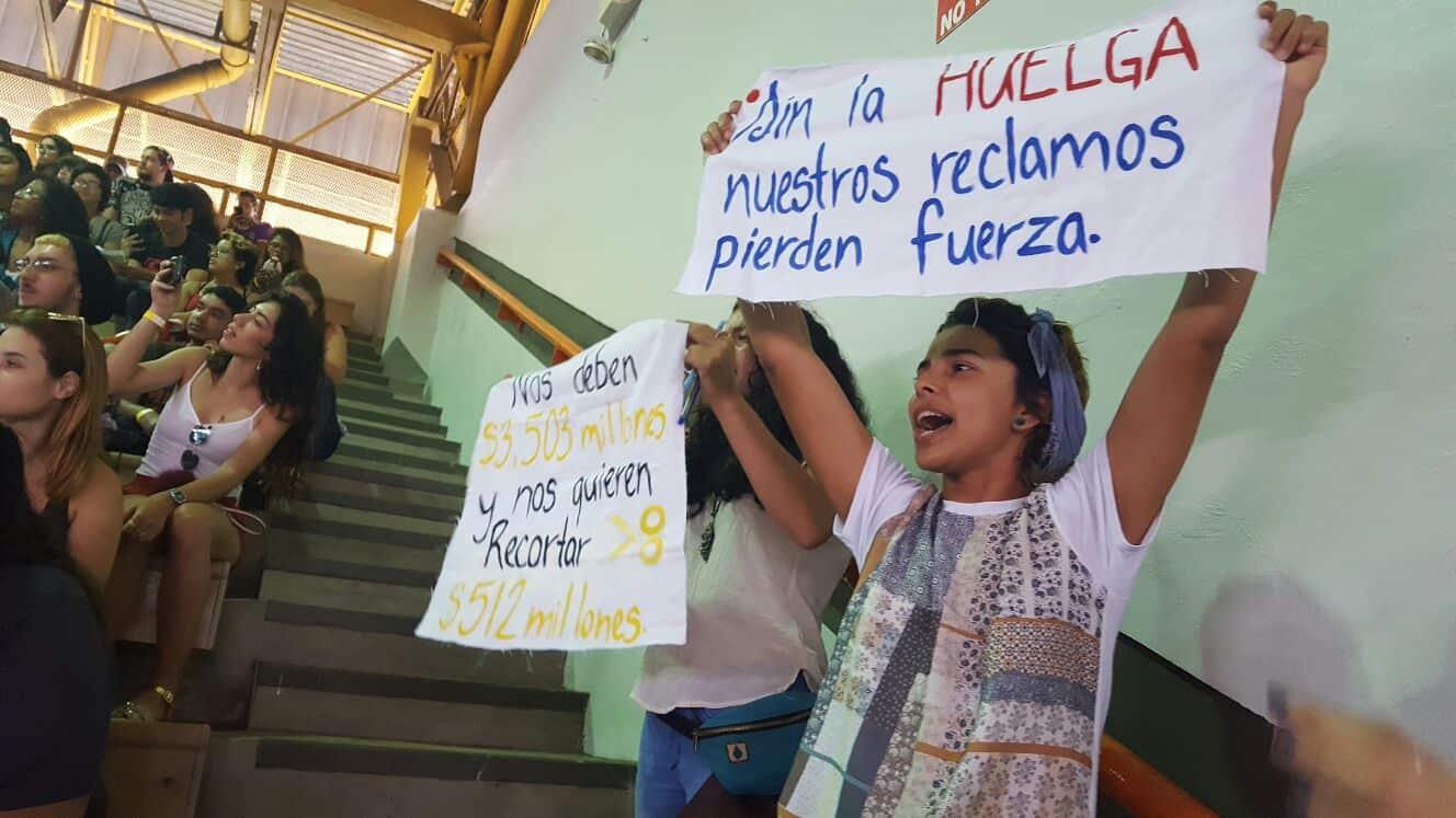 UPR Cayey ratifica huelga en asamblea general de estudiantes