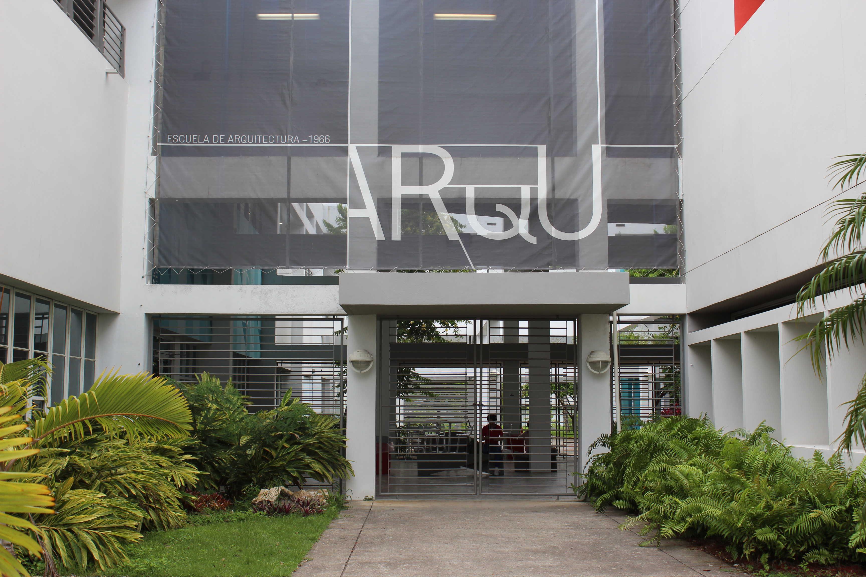 Ofrecen curso electivo centrado en revitalizar la glorieta Rafael Fabián de UPR Río Piedras