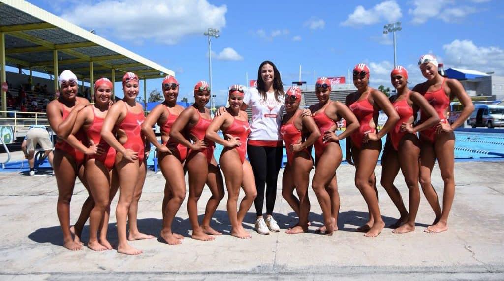 Gallitos y Jerezanas ganan primer día de competencias de natación de la LAI