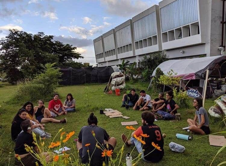 Weekly news briefing: UPR ranks amongst the best universities in Latin America, students hang up banners in protest, and more